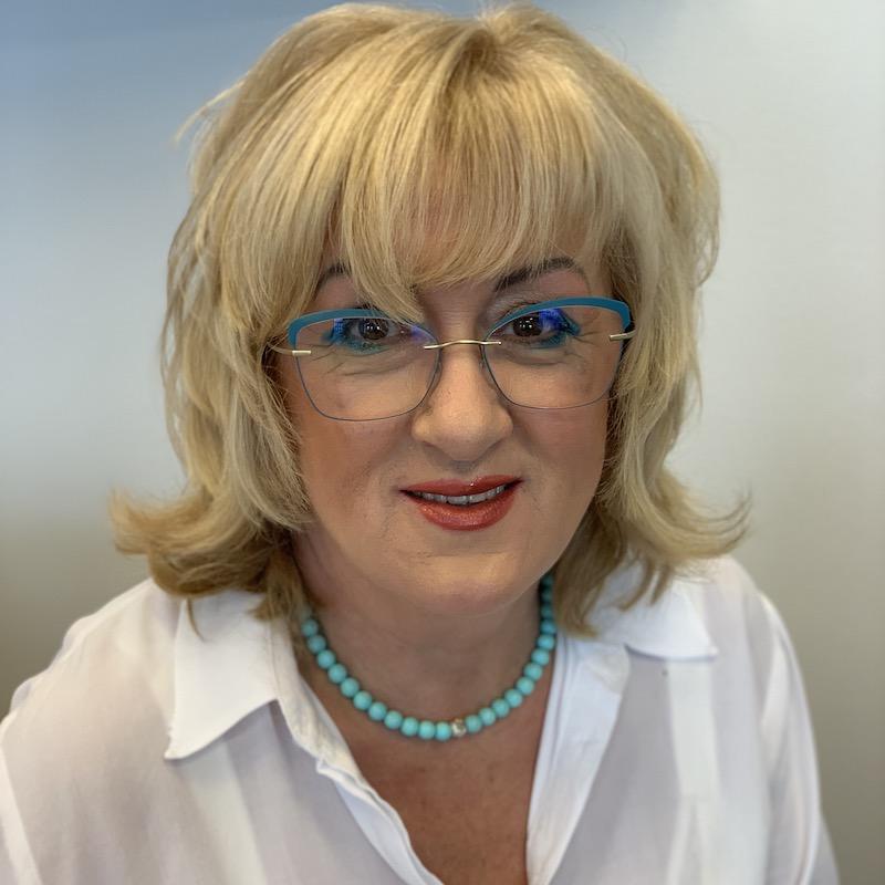 Katarína Brontvai Majiteľka školy